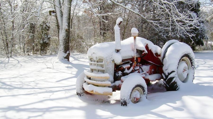 Pregatirea tractorului in perioada iernii in 5 pasi simpli